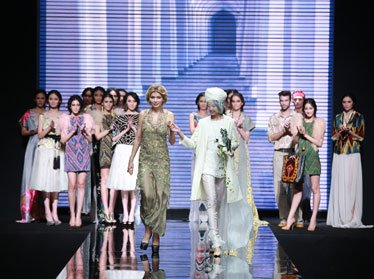 Гульнара Каримова представила свою коллекцию на MERSEDES-BENZ CHINA FASHION WEEK (фото)