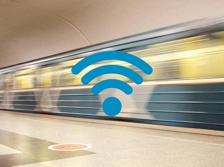 На двух станциях метро запустили бесплатный Wi-Fi: скоро им будет покрыта вся столичная подземка