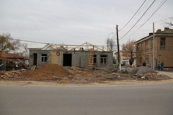 Сносить нельзя оставить: в ташкентской махалле пропал памятник ветеранам войны