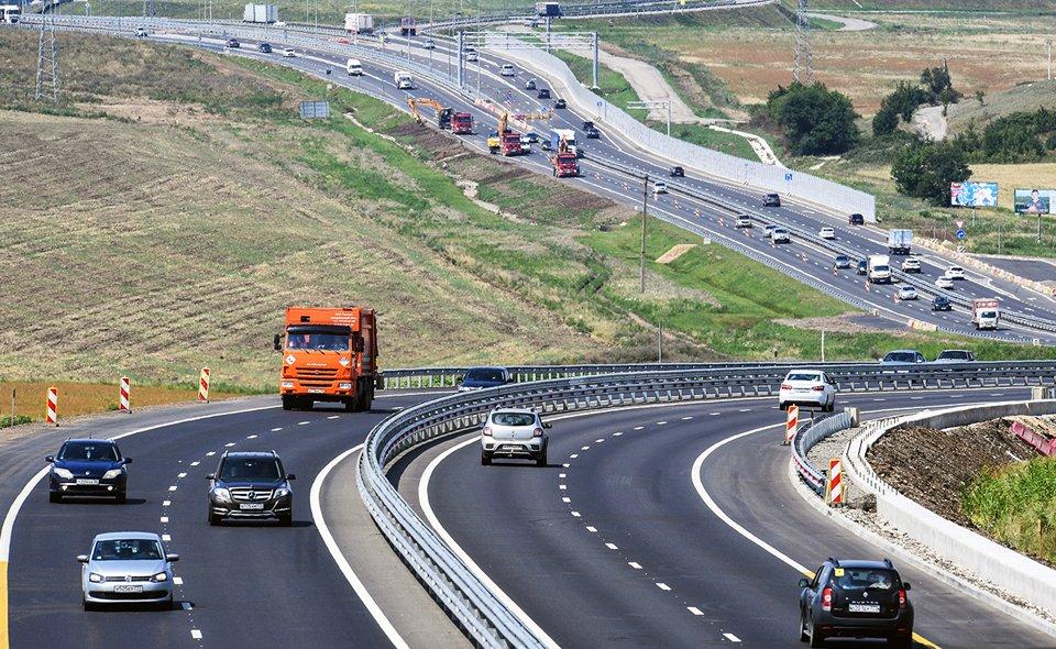 Украине на зависть. Критикам присоединения Крыма к России показали, как изменились дороги в Крыму при России. Разница удивляет