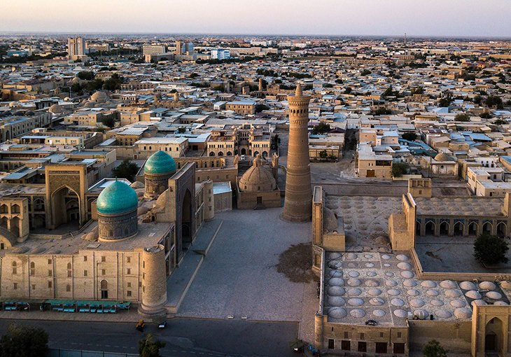 Популярные американские блогеры посетили Узбекистан