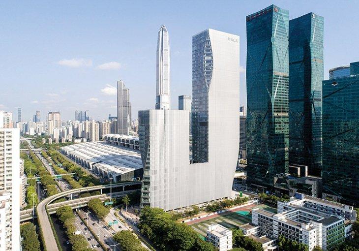 Город инноваций, молодежи и мигрантов. Как простая рыбацкая деревушка в Китае за 40 лет стала центром технологического прогресса